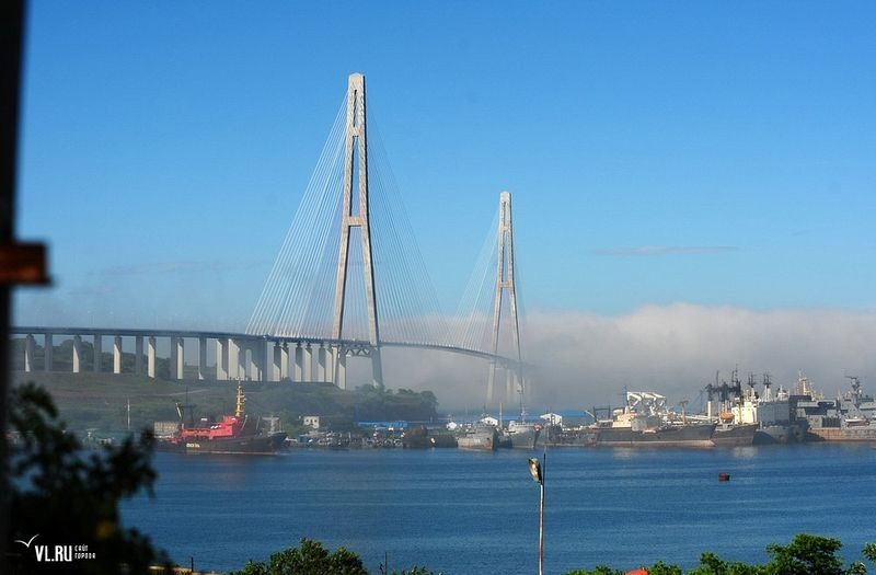 russky-bridge-10