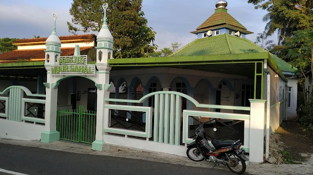 Bergabunglah dalam Kegiatan Bersih-Bersih Masjid Nuur Sahal Kedungsari, Magelang Utara, Kota Magelang