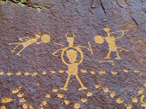 My favorite petroglyphs on Warrior Ridge