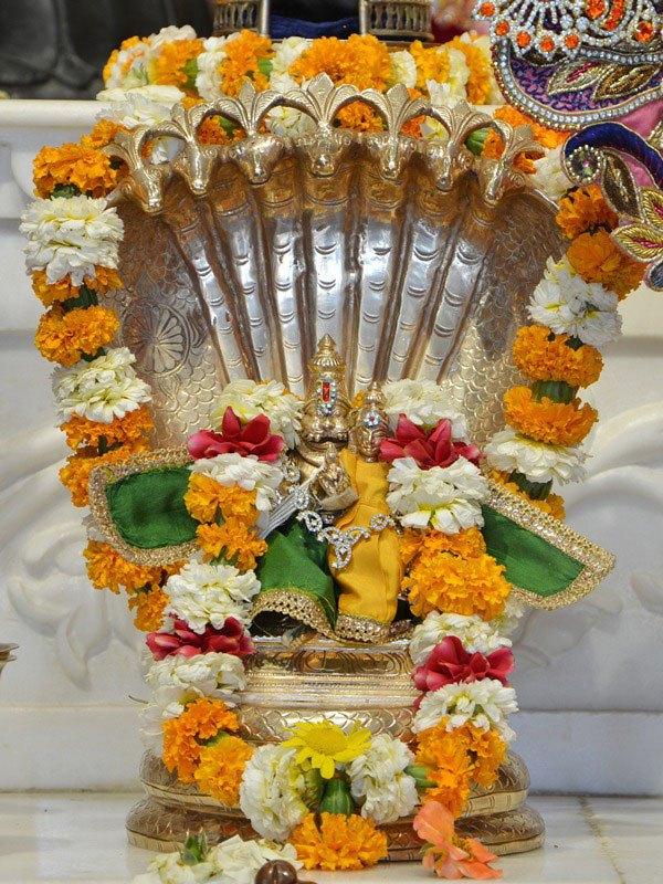 ISKCON Ahmedabad Deity Darshan 12 Mar 2016 (7)
