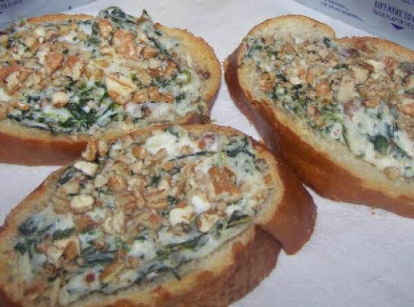 Creamy Spinach Bacon Crostini