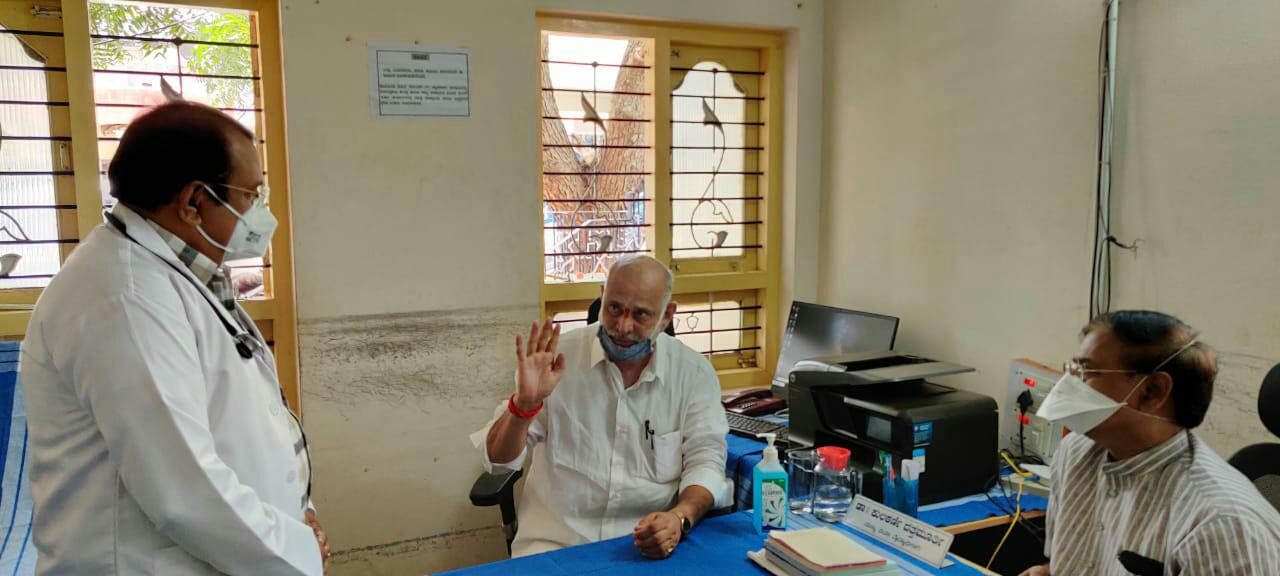 ಗದಗ ಕಾರ್ಮಿಕ ವಿಮಾ ಆಸ್ಪತ್ರೆಗೆ ಸಚಿವ ಶಿವರಾಮ ಹೆಬ್ಬಾರ್ ಭೇಟಿ