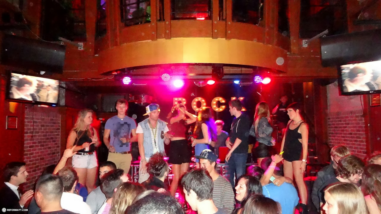 Most of Vancouver s gay bars and nightlife are in the West End;