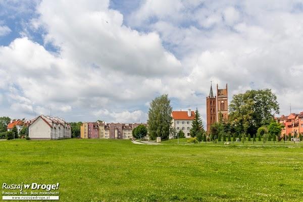 Zielone połacie w Pieniężnie - tu kiedyś było stare miasto