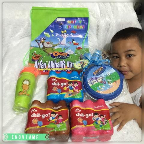goodie bag customs dan souvenir ulang tahun anak serta susu morinaga Chil-Go!