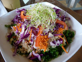 ale Quinoa, quinoa grain, kale, thai sauce topped with shredded carrots, red onion, and red bell pepper, ChocolaTree, Sedona, Arizona