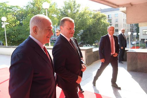 Meeting of Prime Minister Benjamin Netanyahu with Lithuanian Prime Minister Saulius Skvernelis in Vilnius. Photo: Amos Ben Gershom GPO