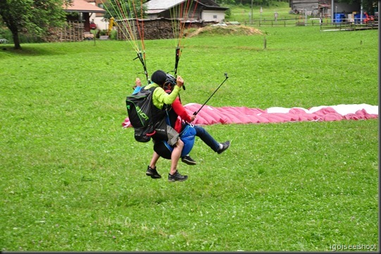 Tandem paragliding from the cliff in Lauterbrunnen Valley