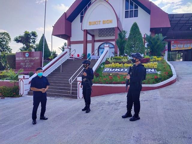 Ciptakan Rasa Aman Beribadah, Detasemen Gegana Patroli di Gereja
