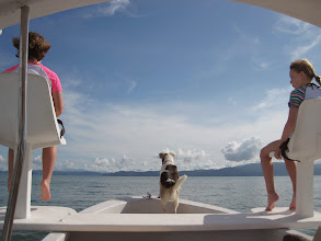 Photo: Boat tour in the Golfo Dulce. The girls are in the air seats, and the dog belongs to the boat owner (also owner of Cabinas Jimenez), he helps spot dolphins