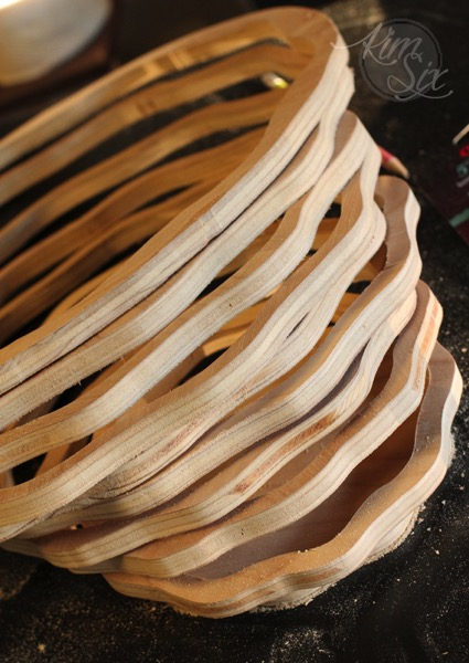 Wavy scroll saw rings for basket