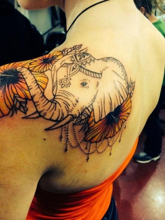ornamentais_ombro_elefante_e_floral_tattoo