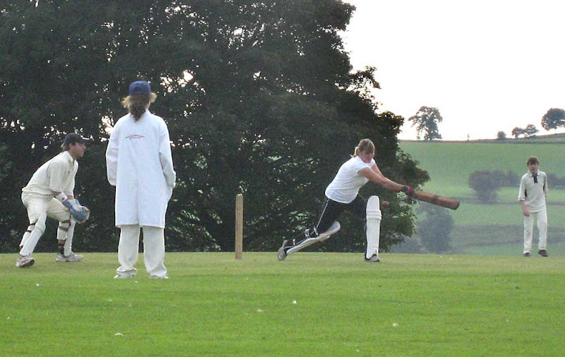 Cricket-Ladies-RS55