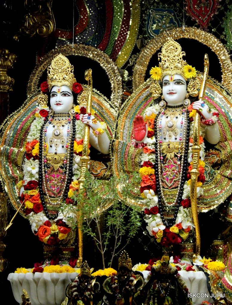 ISKCON Juhu Sringar Deity Darshan 09 Apr 16 (24)