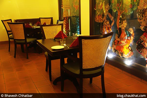 Couple seating arrangement at Savya Rasa [Koregaon Park, Pune]
