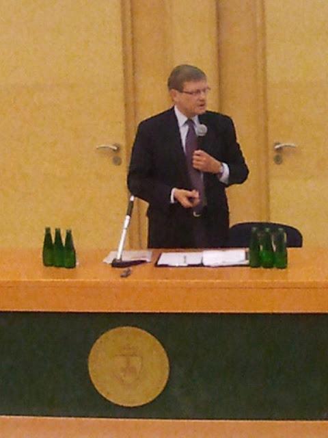 Spotkanie z prof. Leszkiem Balcerowiczem - 2012-06-15%2B09.48.22.jpg