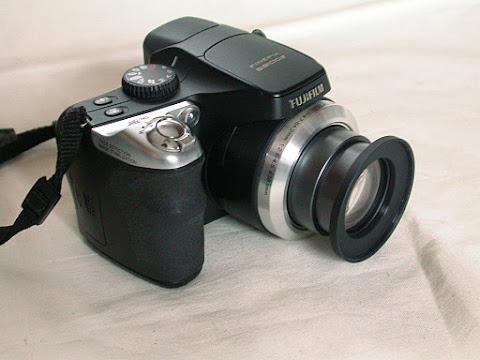 FinePix S8100fdステップアップリングを取りつけて撮影状態