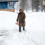 Тропинка к зданию почты России