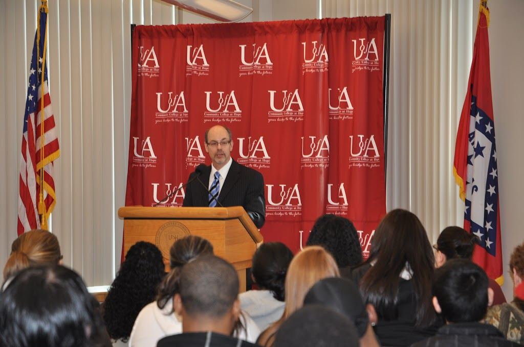 U of A System President Dr. Donald Bobbitt Visit - DSC_0238.JPG