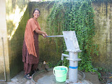 A PV learns how to use the hand pump