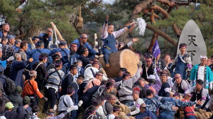Onbashira-Matsuri-1
