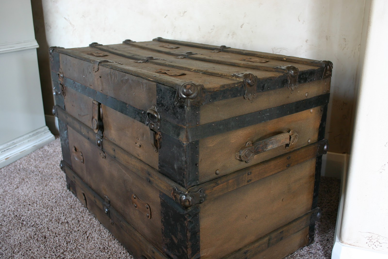 Doubletake Decor Antique Trunk Aged To Perfection
