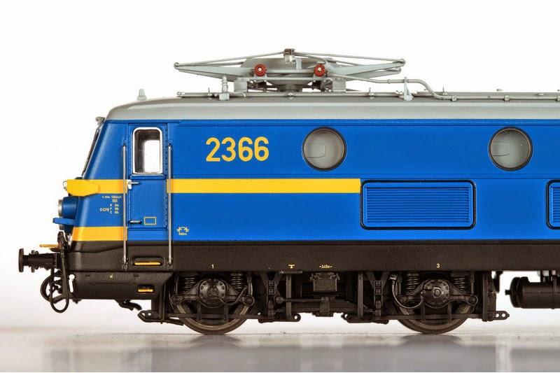 Van Biervliet HO 2366 tpV (VB-3001) en 2311 tpIV  en (VB-3002) 01-12-2013 199,00 IMG_6860.JPG