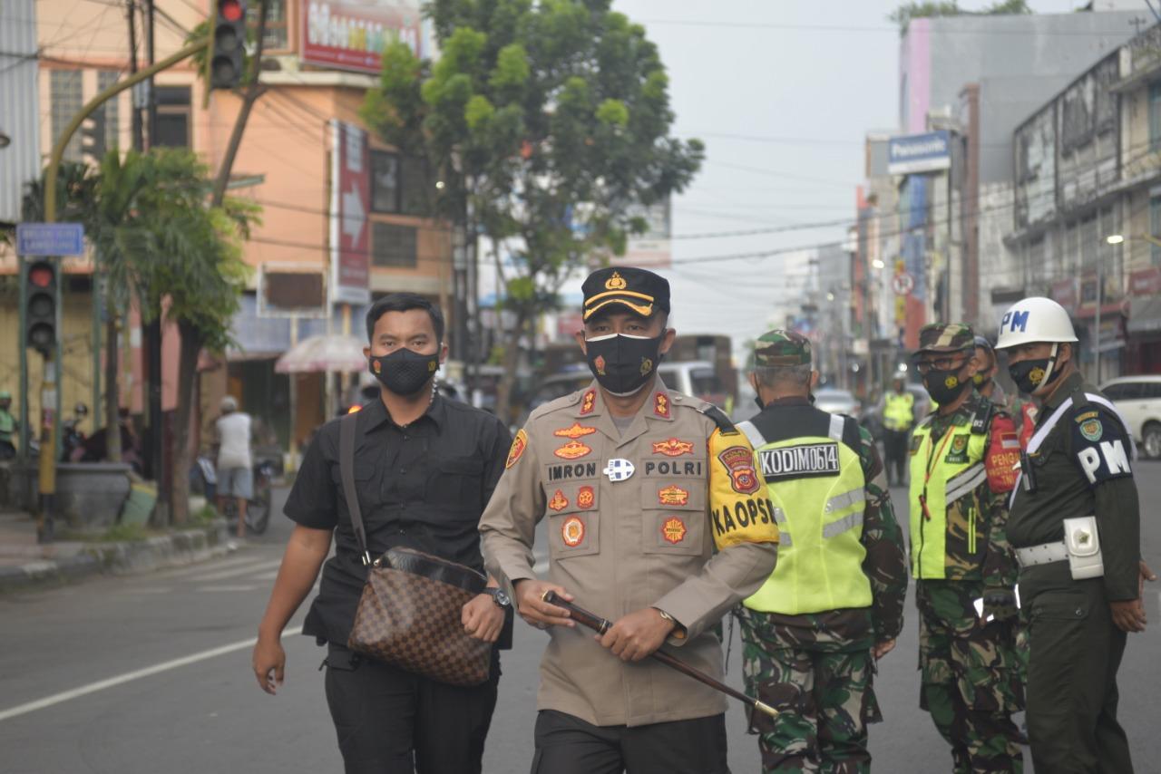Kapolres Cirebon Kota Pimpin Eksekusi 8 Unit Ruko