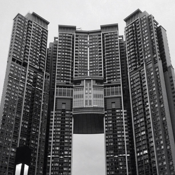 The feng shui skyscrapers of hong kong amusing planet for Feng shui in building a house