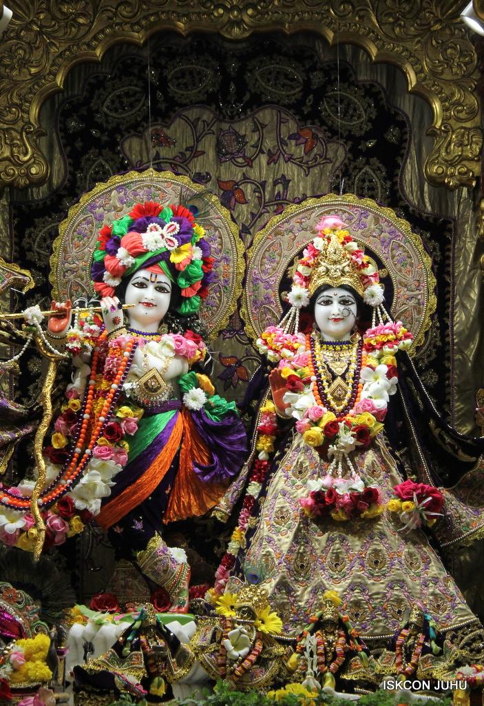 ISKCON Juhu Sringar Deity Darshan on 22nd Oct 2016 (6)