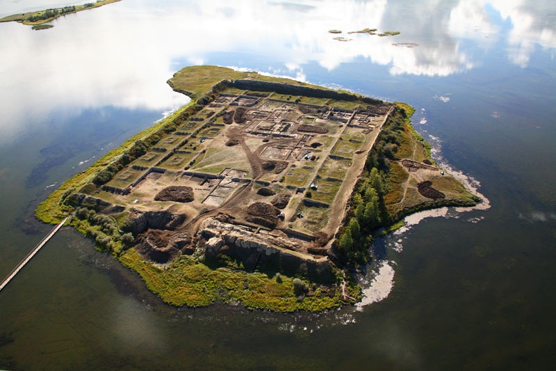 "Ancient ""Floating City"" Found In Siberia? Por-bajin-87"