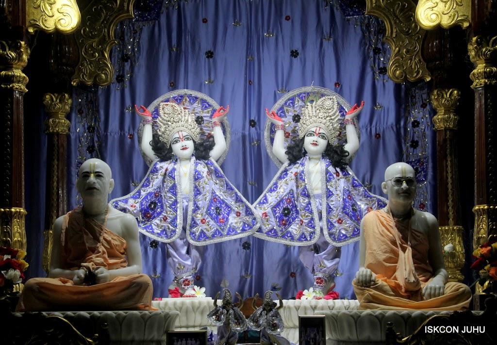 ISKCON Juhu Mangal Deity Darshan on 7th July 2016 (26)