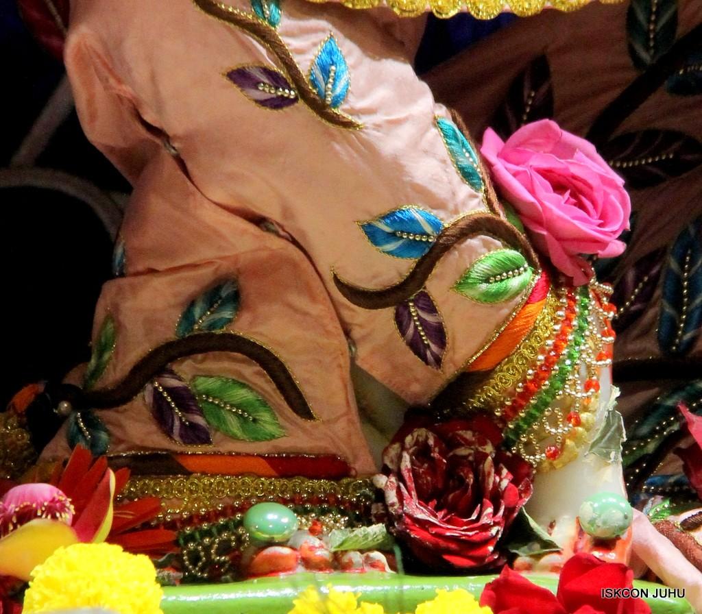 ISKCON Juhu Sringar Deity Darshan 10 Jan 2017 (77)