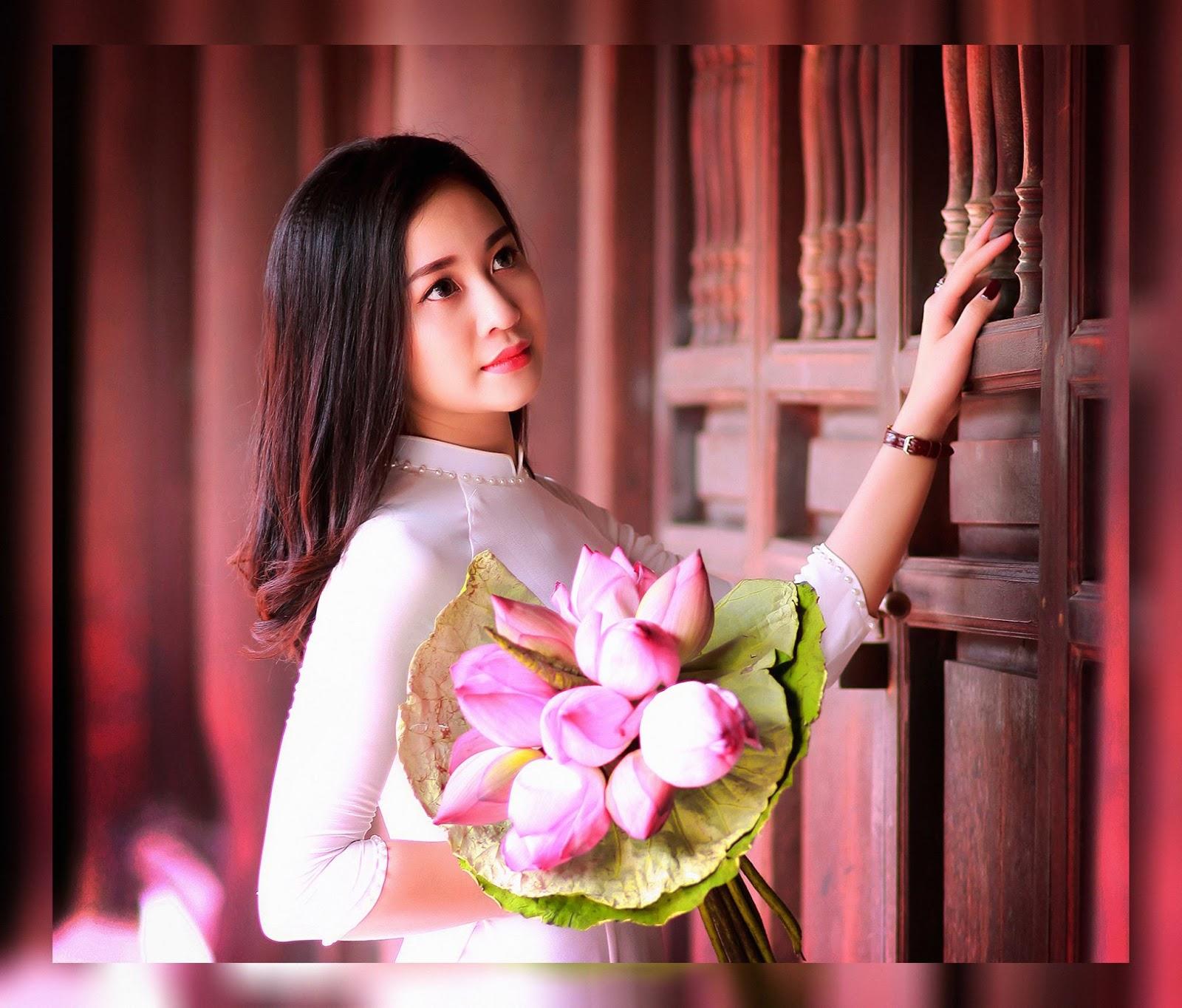 Vào mùa hoa sen