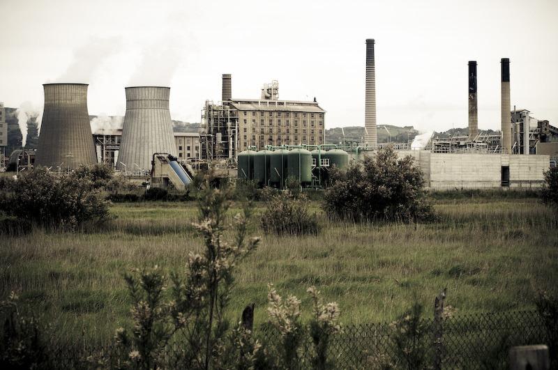 Resultado de imagen de a una fábrica química, de nombre Solvay.