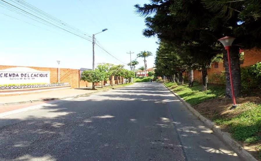 Casa Famliar en Conjunto Cerrado Hacienda El Cacique