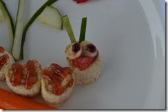 Caterpillar-Sandwich-Art (29)
