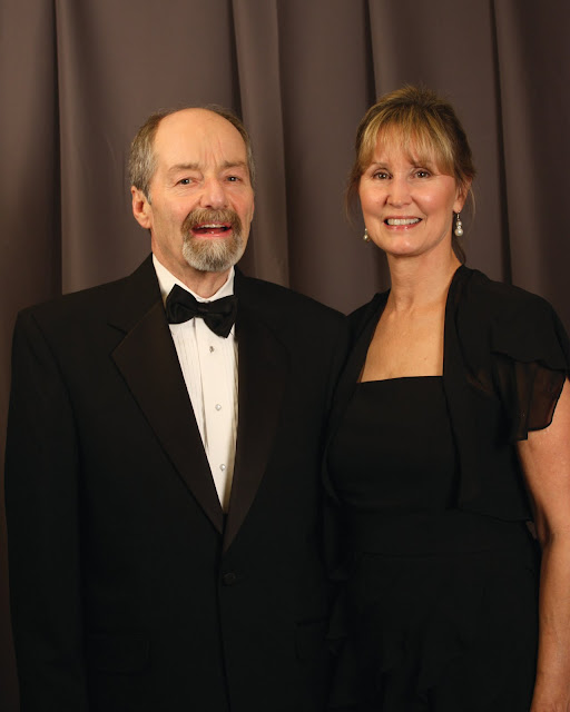 2010 Commodores Ball Portraits - Couple1B.jpg