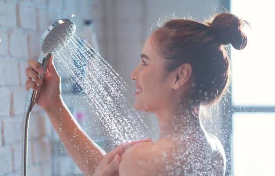 Estudio universidad de Harvard dice que no debes bañarte a diario