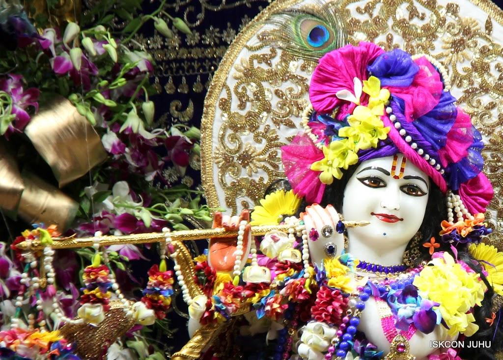 ISKCON Juhu Sringar Deity Darshan on 25th August 2016 (73)