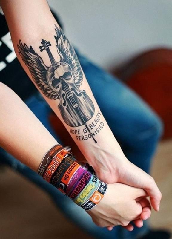um_msico_de_tatuagem