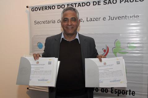 Prefeitura recebe certificado para investir no Esporte