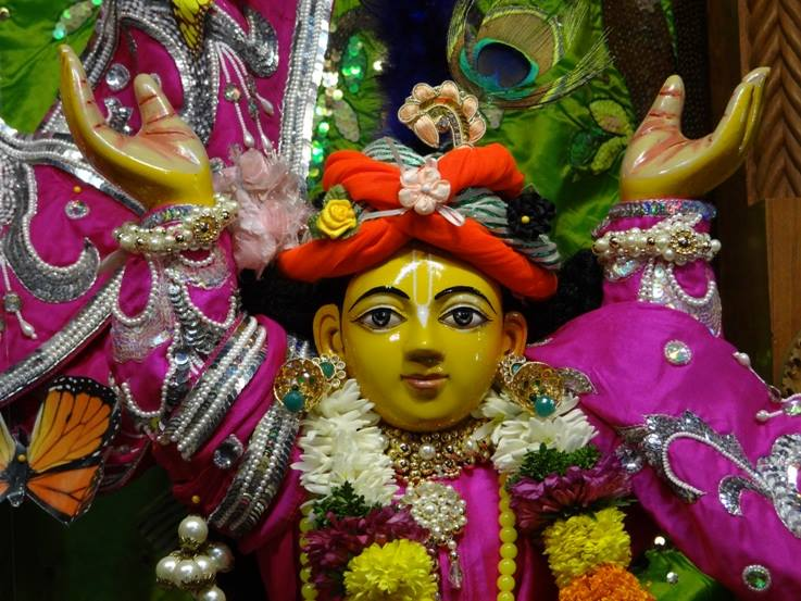 ISKCON Nigdi Deity Darshan 19 Dec 2015 (17)