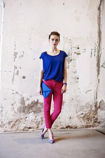 Hinh anh Phoi do dep cung quan jeans ao phong so 4