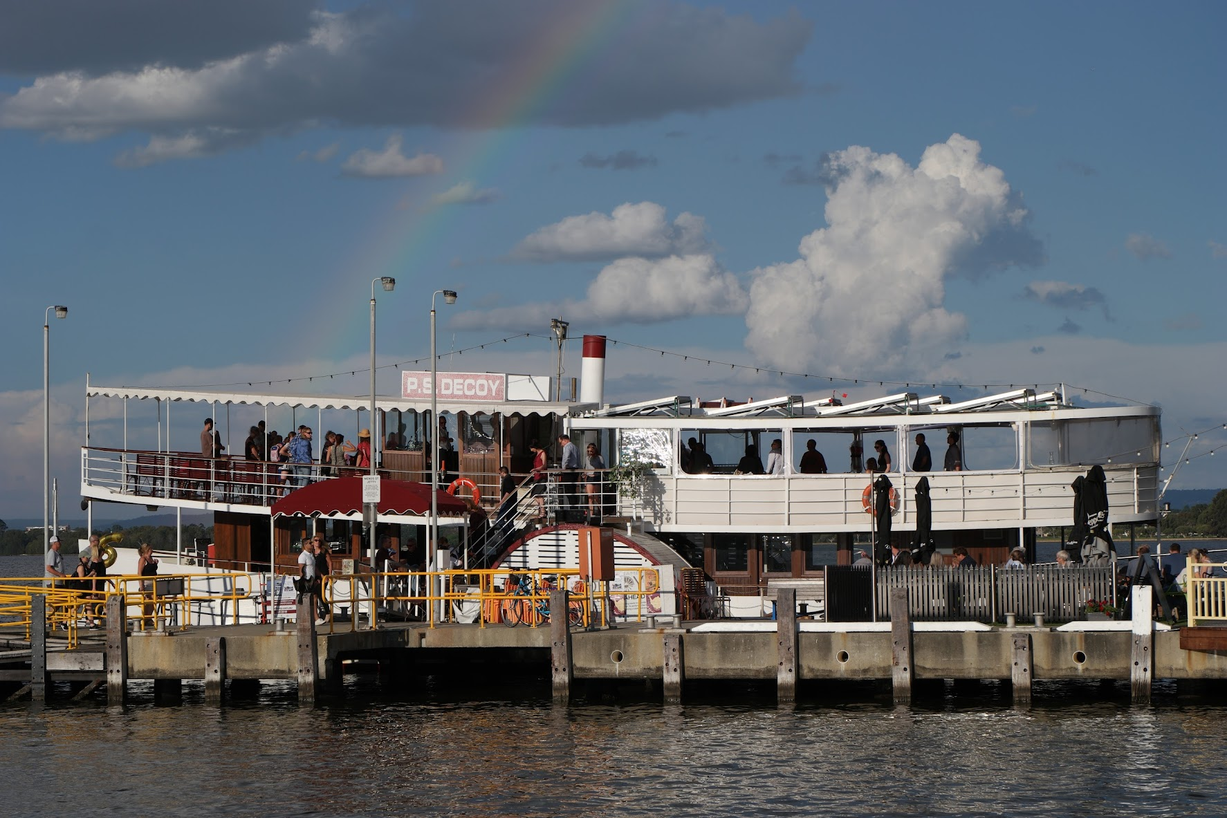 A rainbow kisses the paddlesteamer Decoy