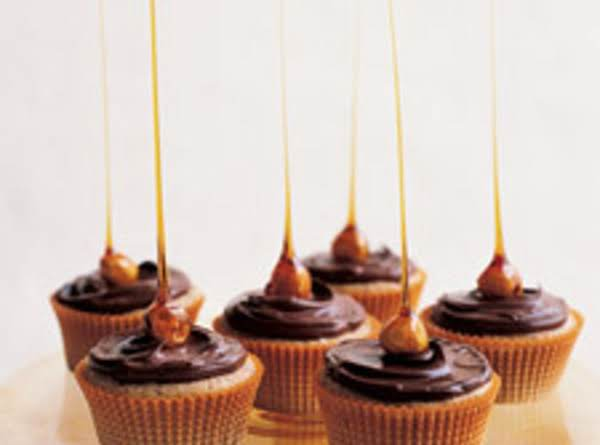Candied-hazelnut Cupcakes ( Martha Stewart )