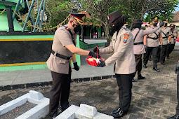 """Kapolres Pasuruan AKPB. Erick Frendriz, S.I.K., M.Si Tabur Bunga di Pusara Taman Makam Pahlawan """"TMP' Bangil"""