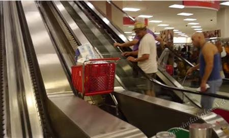 Bu Alışveriş Arabalarını Görenler Şaşırıyor-İZLE