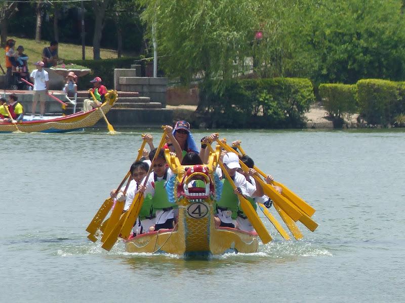 Dragon boat festival à Longtan ( Taoyuan) - dragonboat%2B053.JPG