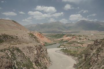 Zusammenfluss von Kichi-Naryn und Chong-Naryn